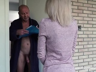 Elder granddad gets ultra-kinky and fucks the delivery doll