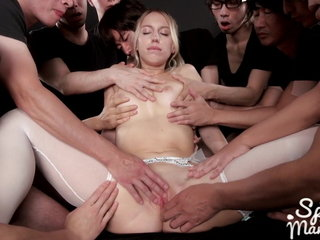 AMWF Kira Horripilate Russian Cookie Petite Gangbang 12cm Snug Jap